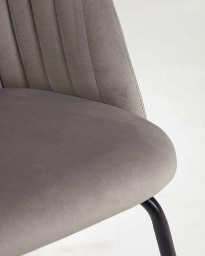 Silla Lumina terciopelo gris claro patas acero acabado negro