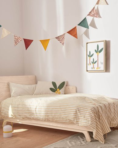 Zalia 100% organic cotton (GOTS) maroon fabric pennant