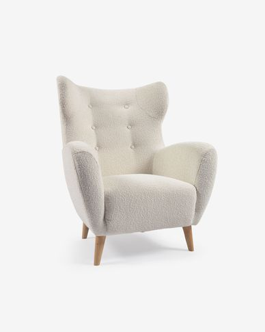 Patio armchair in white shearling with solid natural oak legs
