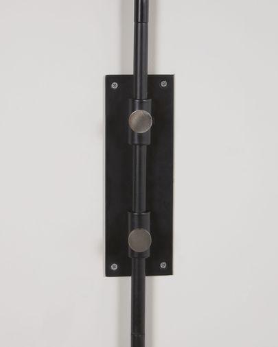 Aplique de pared Eleazar de metal con acabado pintado negro
