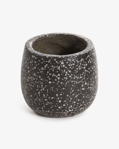 Braydon black planter