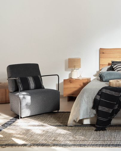 Gamer armchair in black shearling and metal with black finish