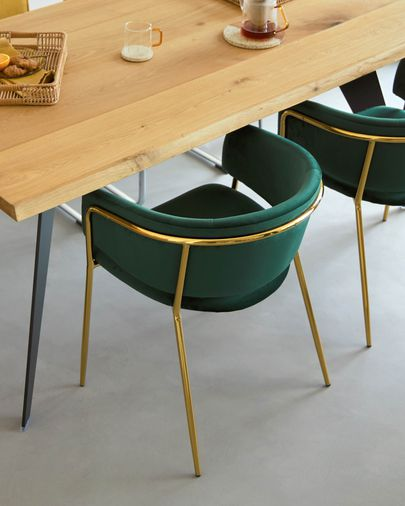 Silla Runnie de terciopelo verde con patas de acero con acabado dorado