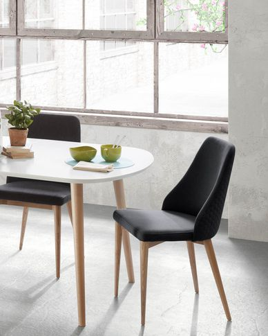 Rosie stoel donkergrijs kleur natuurlijke afwerking