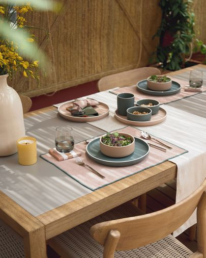 Mesa Vetter 200 x 90 cm acabado polycemento y madera maciza de eucalipto FSC 100%