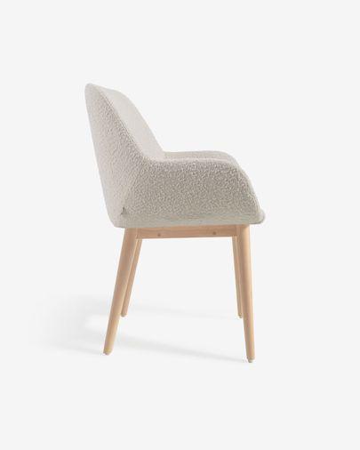 Silla Konna de borrego blanco y patas de madera maciza de fresno