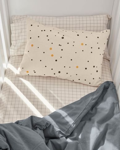 Xiel 100% organic cotton (GOTS) cushion cover with black and yellow polka dots 30 x 50 cm