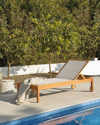 Tumbona de exterior Caterin beige y madera maciza eucalipto FSC 100%