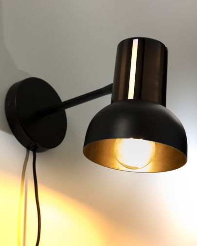 Amina wall lamp