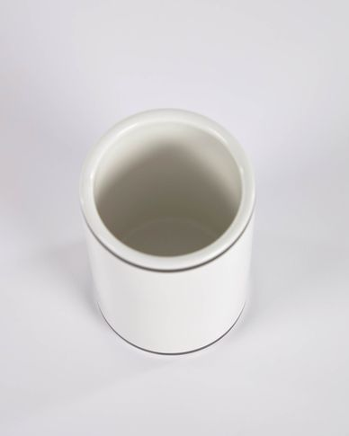 Arminda white ceramic toothbrush holder with black detail