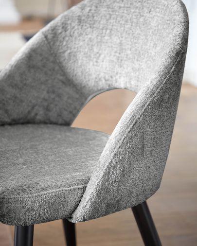 Silla Mael de chenilla gris y patas de acero con acabado negro