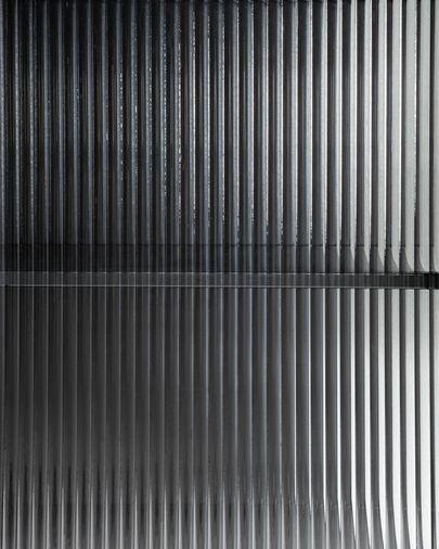 Aparador Trixie acero con acabado negro 160 x 81 cm