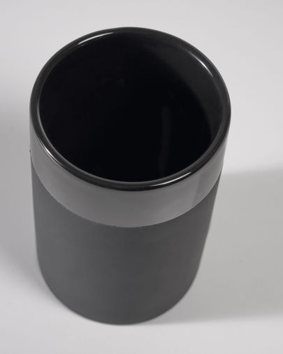 Riga black toothbrush holder