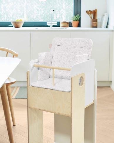 100% organic cotton (GOTS) Nuun highchair cushion in pink polka dots