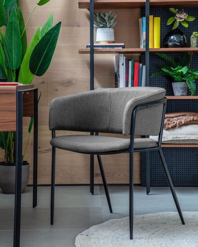 Runnie chair in light grey with steel legs with black finish