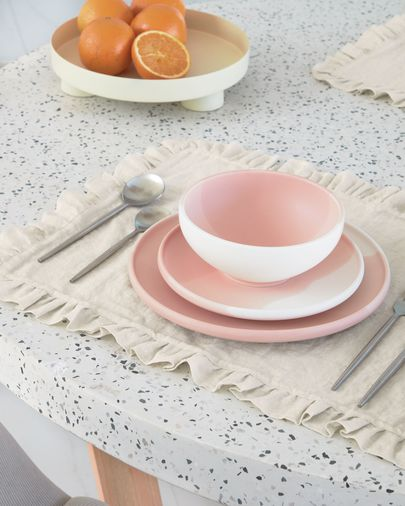 Plato plano Sayuri de porcelana rosa y blanco