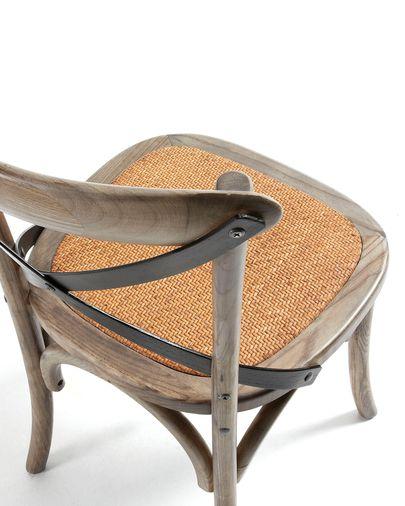 Silla Alsie de madera maciza de olmo con acabado marrón