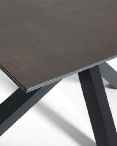 Argo Tisch 180 cm, Porzellan, Eisen Moos Finish, mit schwarzen Tischbeinen