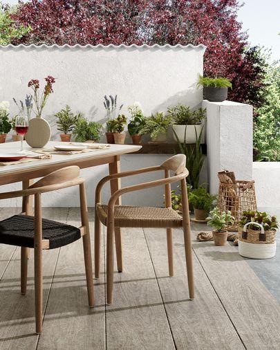 Cadira Nina fusta massissa eucaliptus i corda beix