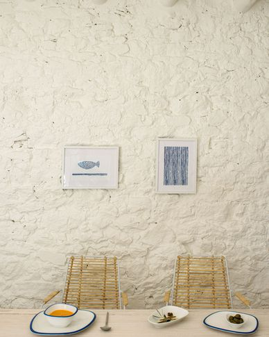 Kunstwerk Kuma met vis met blauwe stippen 30 x 40 cm