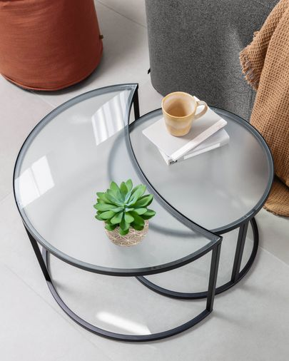 Bast set of 2 side tables