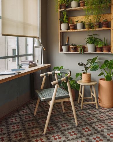 Silla Majela madera maciza eucalipto con acabado efecto roble y cuerda verde FSC 100%