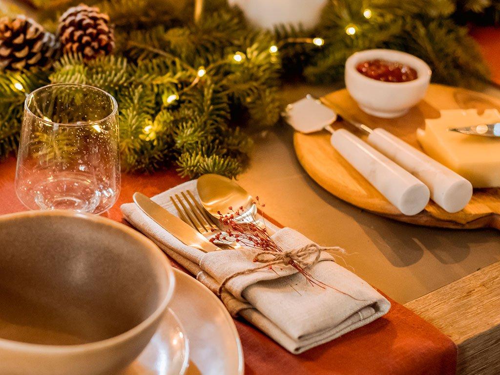 Poner-Mesa-Navidad.jpg