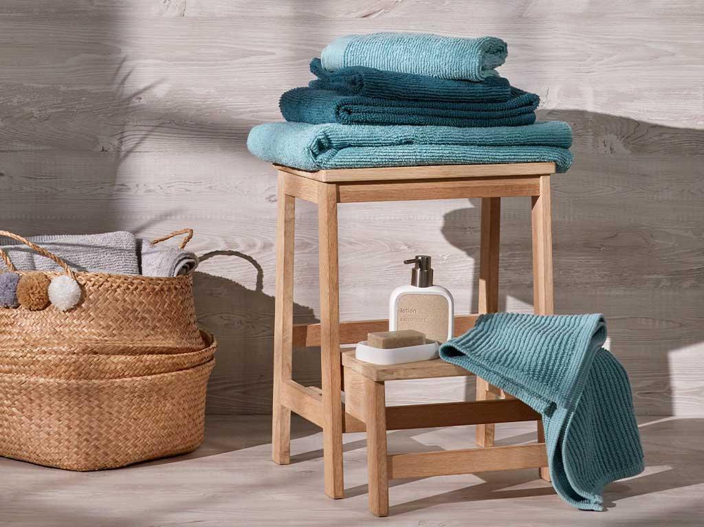 accesorios-baño-toallas-turquesa.jpg