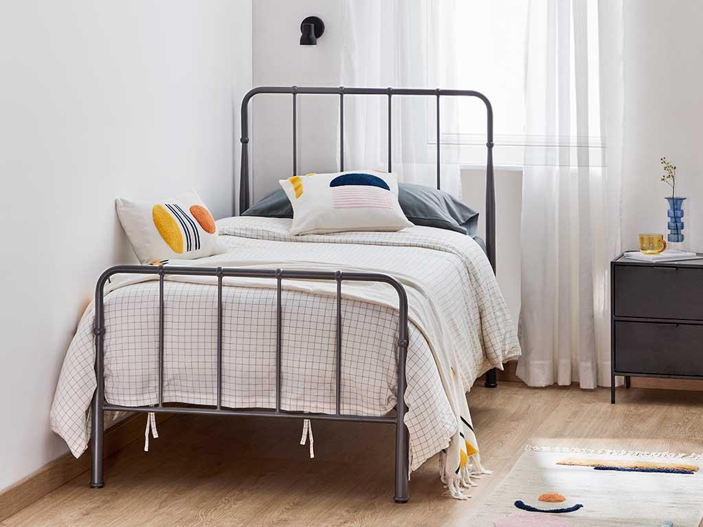 aplique-negro-dormitorio-habitacion-juvenil.jpg
