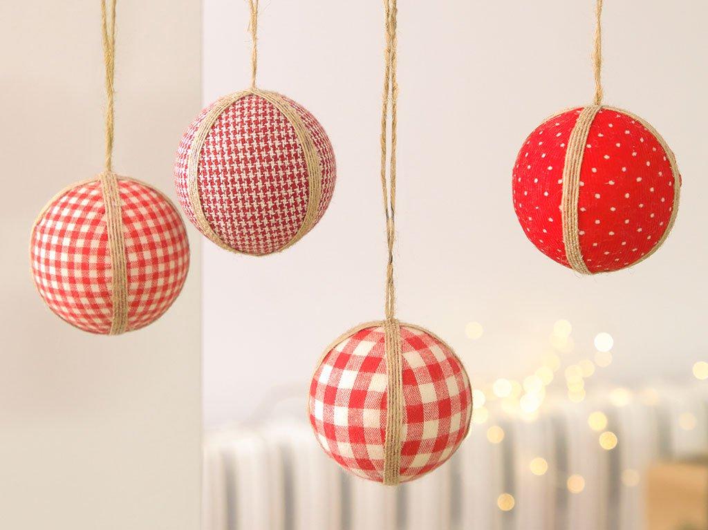 bolas-rojas-árbol-navidad.jpg