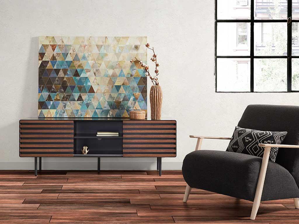 cuadro-triangulos-marrones-encima-mueble.jpg