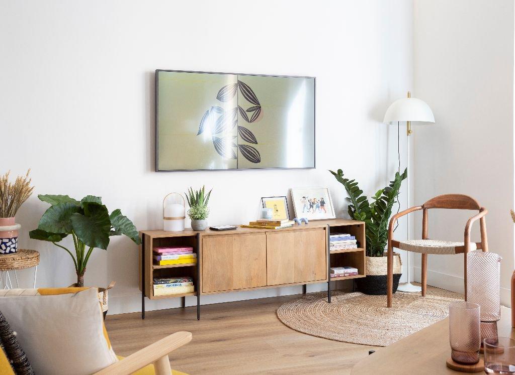 decorar-aparador-palmia-madera