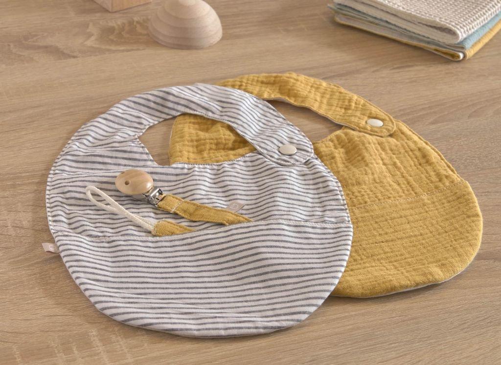 ideas-regalos-utiles-mama-primeriza-bebe-babero.jpg