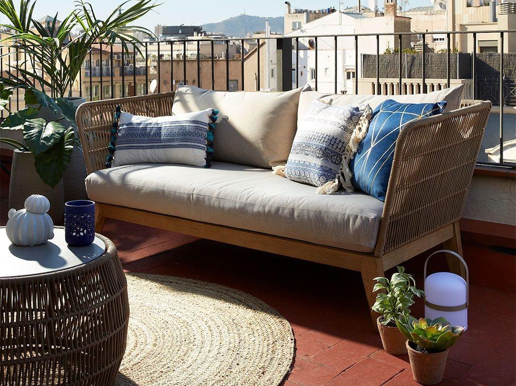 interiorismo-diseC3B1o-sofa-cojin-balcon-terraza-decoracion-office-estudio-1024x767.jpg