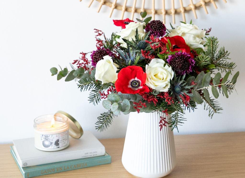 jarron-ceramica-blanco-ramo-flores
