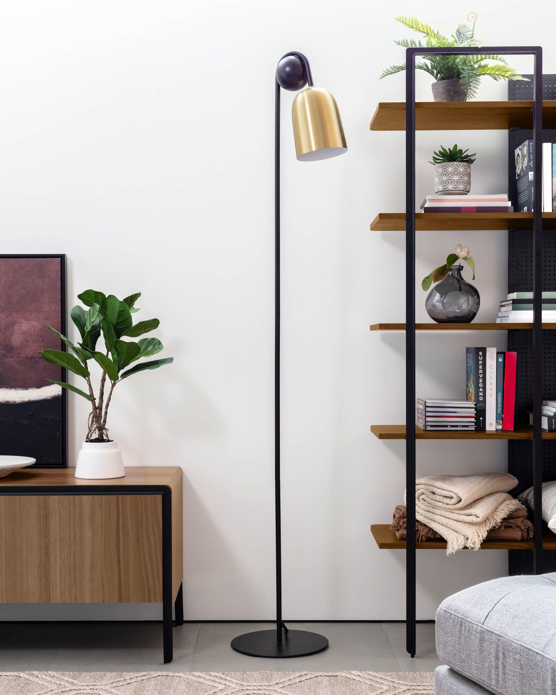 lámpara-pie-Natsumi- metal-dorado-madera-mármol-negro