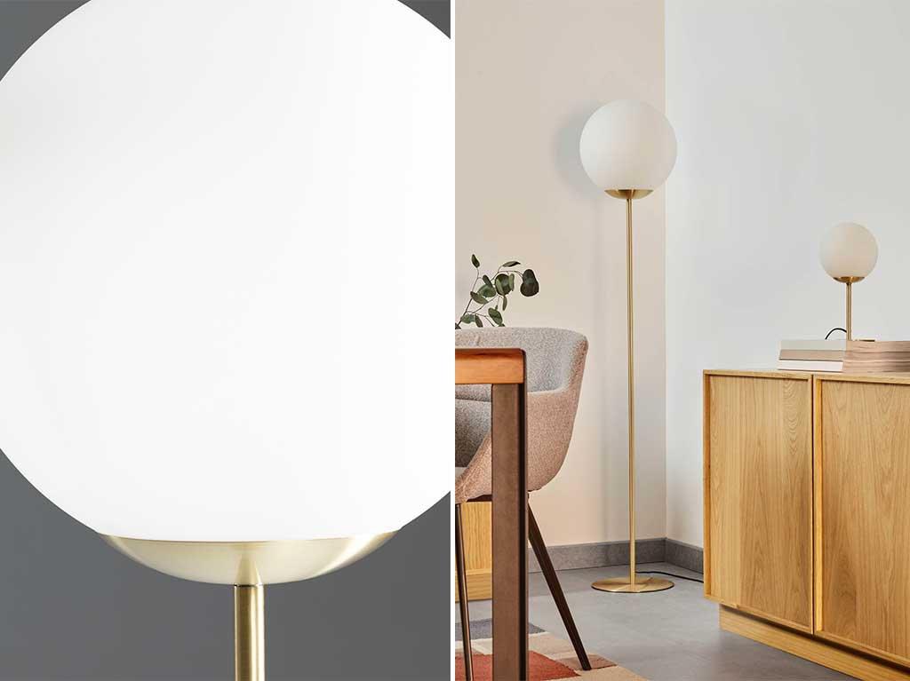 lampara-pie-dorada-esfera-clasica.jpg