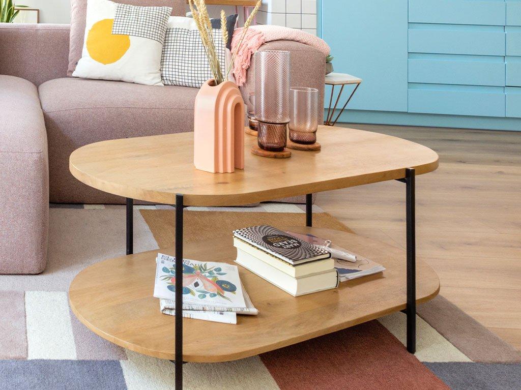 mesa-centro-madera-ovalada-estante-jarrones.jpg