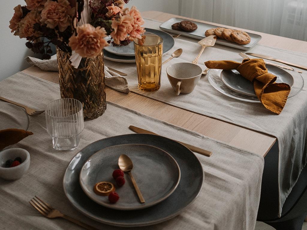 mesa-preparada-decorada.png
