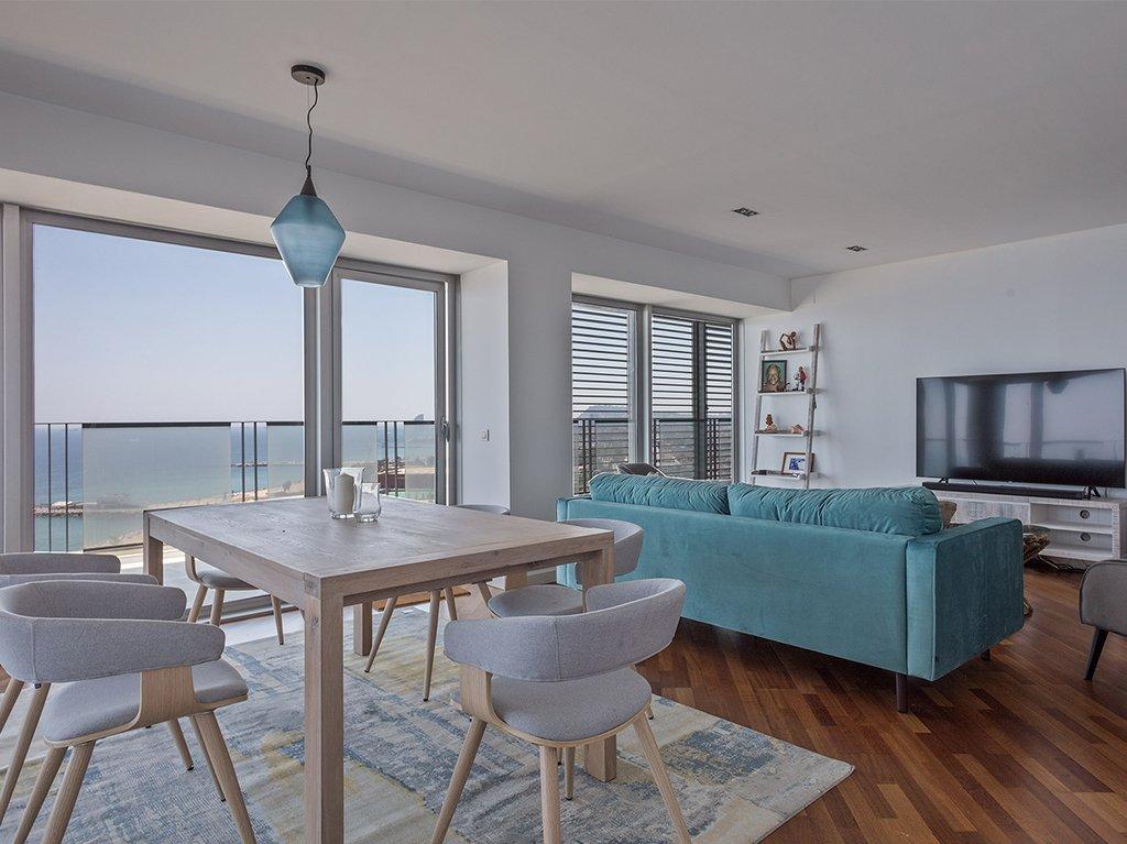 salon-comedor-apartamento-vistas-mar