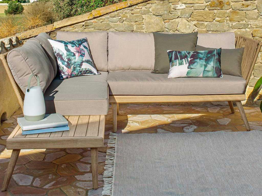 terrazas-pequeñas-sofa-rinconero.jpg
